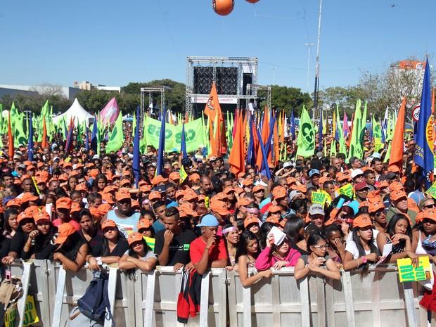 Público no ato da Força Sindical (Foto: Felipe Rau/Estadão Conteúdo)
