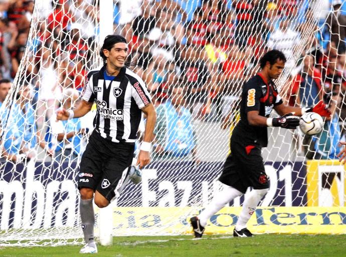 Loco Abreu, Flamengo X Botafogo 2010 (Foto: Alexandre Durão)