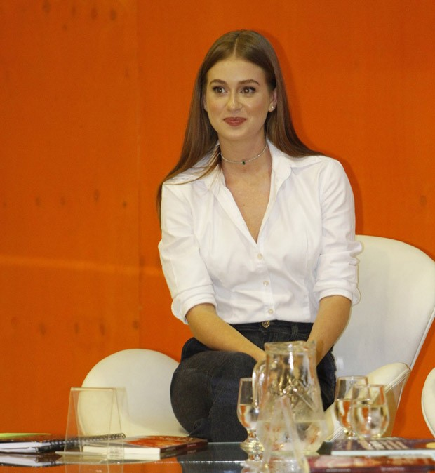 Marina Ruy Barbosa oficializa união com Xandinho Negrão: 'Sr e Sra Negrão'