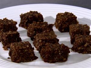 Aprenda a fazer barra de cereal de uva (Foto: TV GLOBO)