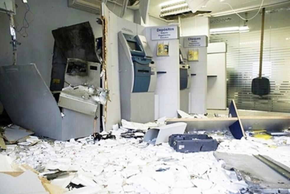 Caixas eletrônicos são atingidos por explosão no RN (Foto: Divulgação/PM RN)