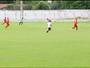 Atacante vê goleiro adiantado e faz golaço de cobertura no TO; veja vídeo