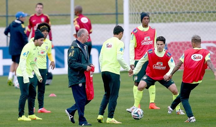 Felipão no treino da Seleção (Foto: Jefferson Bernardes / VIPCOMM)