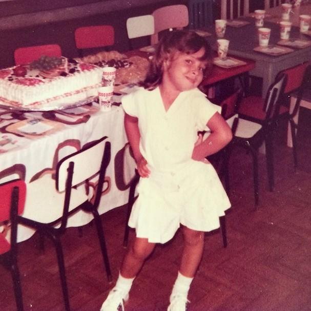 Pitty posta foto de aniversário em escola na infância  (Foto: Reprodução/Instagram)