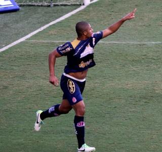 Douglas Tanque Penapolense  (Foto: Agência Estado)