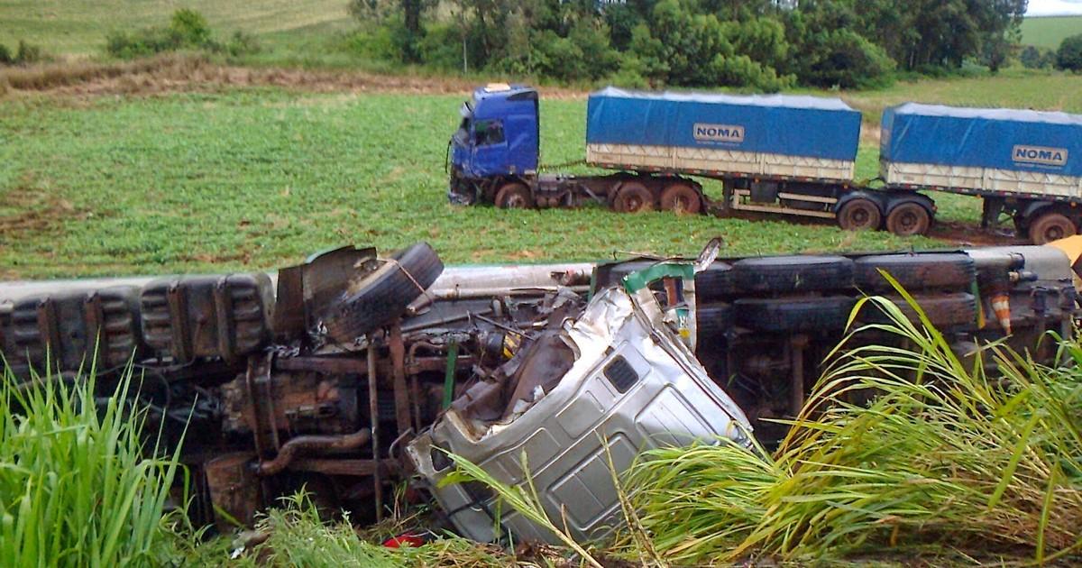 Duas pessoas morrem em acidentes neste sábado no Norte do RS - Globo.com