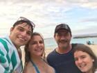 Tom Veiga, o Louro José, curte férias do 'Mais Você' nas Bahamas
