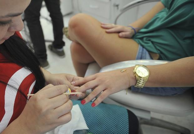 Manicure ; salão de beleza ; serviços ; Pesquisa Mensal de Serviços ; beleza ;  (Foto: Elza Fiúza/Agência Brasil)