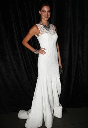Carol Francischini em baile da gala da revista 'Vogue' em São Paulo (Foto: Iwi Onodera/ EGO)