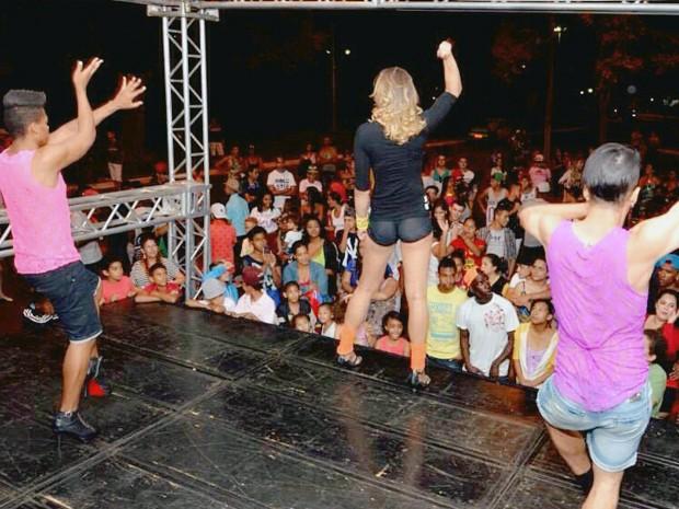 MC Glendha Uberaba eletro funk travesti apresentação (Foto: Glendha Oliveira/ Arquivo Pessoal)