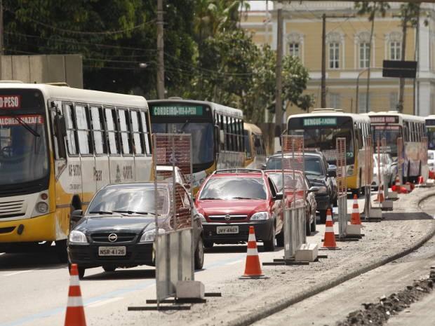 Obras do BRT causam constantes engarrafamentos na Avenida Almirante Barroso, próximo do Entrocamento (Foto: Tarso Sarraf/O Liberal)
