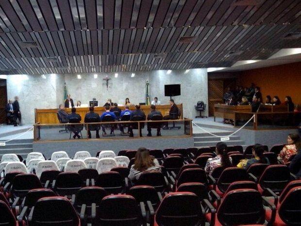 Julgamento de suspeitos de envolvimento de atentado começa em Aracaju (Foto: Denise Gomes / G1)