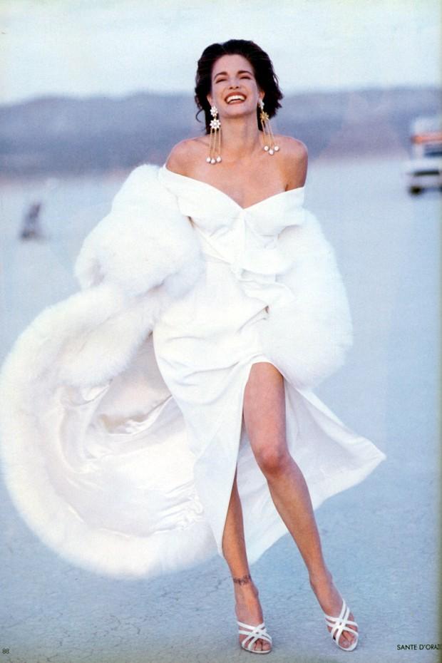 Stephanie Seymour na Vogue UK de julho de 1990 (Foto: Sante D'Orazio)