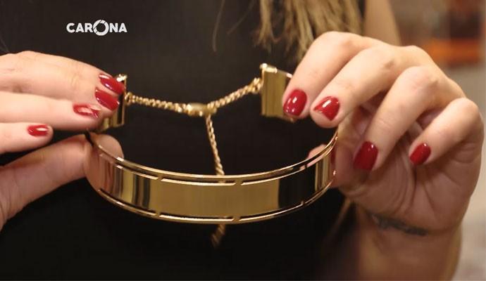 Gargantilha usada pela personagem Atena de A Regra do Jogo foi criada em Uberlândia (Foto: Carona)