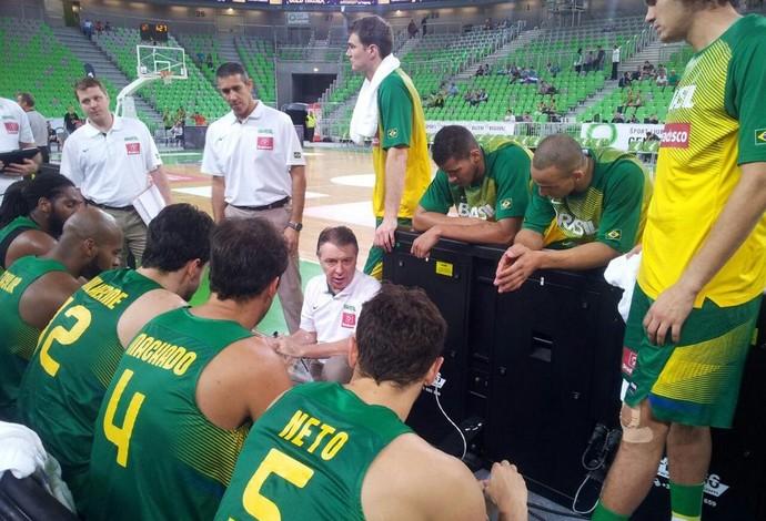 Brasil não encontrou dificuldades para vencer o Irã em torneio na Eslovênia (Foto: Reprodução Twitter)