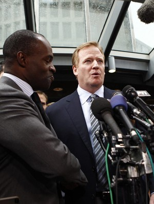 DeMaurice Smith NFL Roger Goodell acordo trabalhista   (Foto: Reuters)