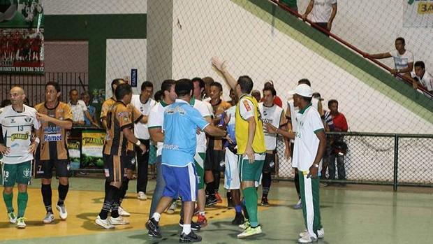 Final do sergipano de futsal teve confusão  (Foto: Reprodução/Achei Esportes)