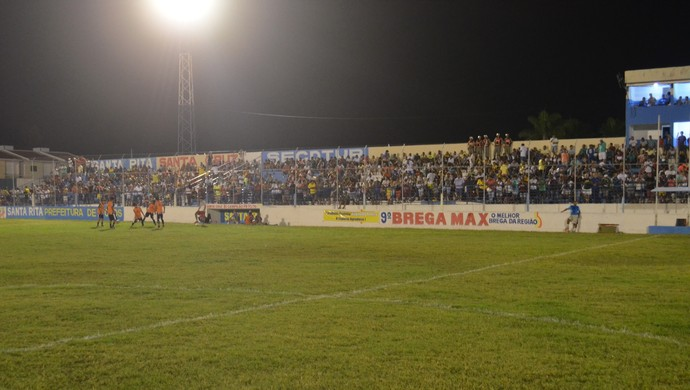 santa cruz-pb x Lucena, estádio teixeirão (Foto: Phelipe Caldas / GloboEsporte.com/pb)