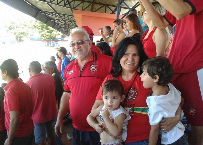 Paixão pelo time é passado de geração em geração (Foto: Júlio César / Arquivo Pessoal)