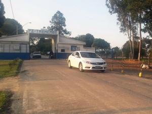 Ex-seminarista Gil Rugai deixa a P2 de Tremembé (Foto: Nicole Melhado/ G1)