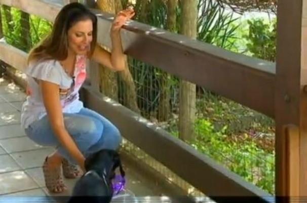 TV TEM contra a dengue - Débora Meneses (Foto: Reprodução / TV TEM)