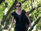 Mais magra, Catherine Zeta-Jones vai a igreja após anúncio de separação