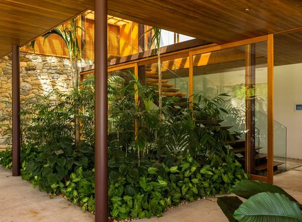 jardim-de-inverno-plantas-paisagismo-casa (Foto: Edu Castello/Editora Globo)