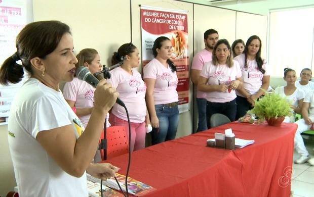Servidores da saúde promoveram atividades com orientações para mulheres sobre a prevenção contra o câncer de mama (Foto: Bom Dia Amazônia)