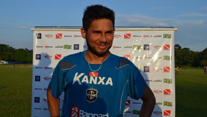 Labilá já treinou entre os titulares do São Francisco (Foto: Weldon Luciano  - GloboEsporte.com)