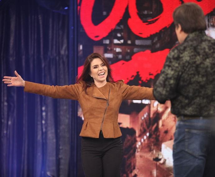 Françoise chegou animada ao palco do Domingão (Foto: Fabiano Battaglin/Gshow)