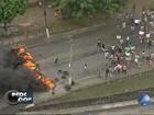 Moradores queimam pneus e bloqueiam pista em protesto na Bahia