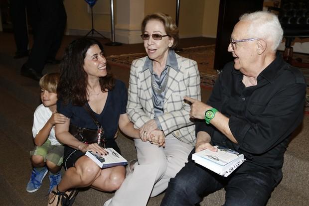 Fernanda Montenegro, Fernanda Torres e Ney Latorraca no evento de Boni. (Foto: AgNews)