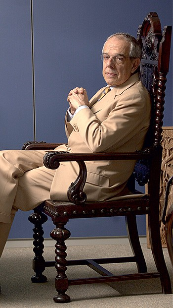"""REFERÊNCIA Márcio Thomaz Bastos, numa foto de 2003. Ele era chamado de """"God"""" pelos colegas (Foto: Sergio Dutti/Ed. Globo)"""