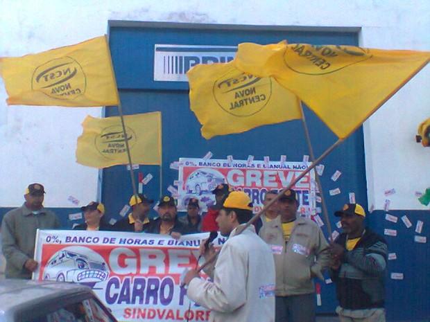 protesto cabo frio (Foto: Ariane Marques/G1)