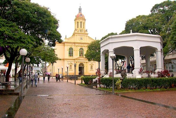 Igreja Matriz é um dos pontos turísticos e mais visitados da cidade (Foto: Reprodução / TV TEM)