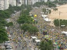 Ato contra o governo Dilma reúne manifestantes em Copacabana, Rio