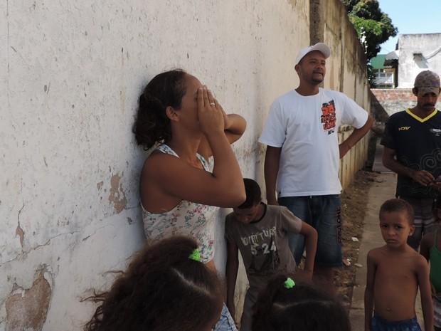 Moradora do prédio, Fabiana não sabia para onde ir (Foto: Débora Soares / G1)