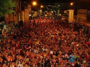 Cerveja é liberada para os foliões do camarote e da pista (Foto: Divulgação/ Ascom)