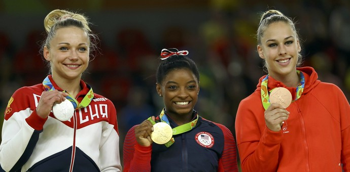 Paseka, prata, Biles, ouro, e Steingruber, bronze, no salto (Foto: Reuters)