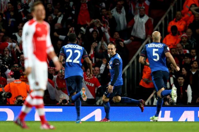 Özil derrota Arsenal Monaco Liga dos Campeões (Foto: Getty Images)