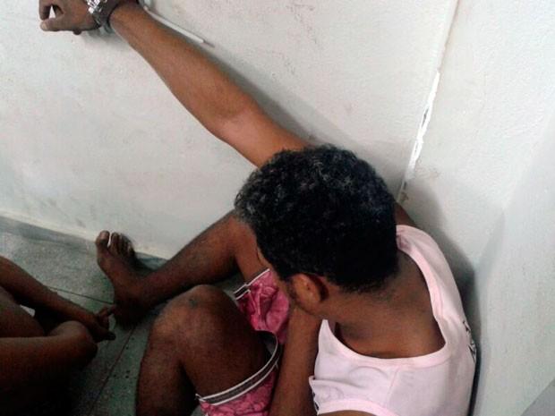 Adolescente foi apreendido na manhã desta sexta em Macaíba  (Foto: Anderson Barbosa/G1)