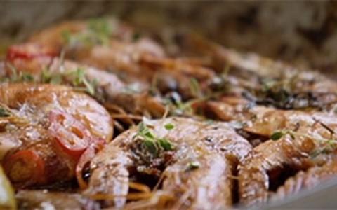 Camarão crocante do Jamie Oliver