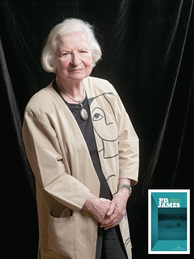 OUSADIA A inglesa P.D. James em 2011. Aos 92 anos, ela adotou um gênero pop – o mash-up – para reencontrar  sua escritora favorita, Jane Austen   (Foto: Geraint Lewis/AP e reprodução )