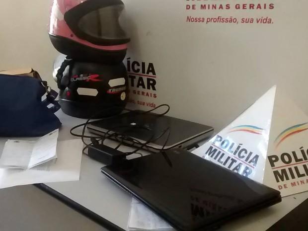 Todos os envolvidos e os materiais foram apreendidos e encaminhados à delegacia de Valadares. (Foto: Divulgação/PM)