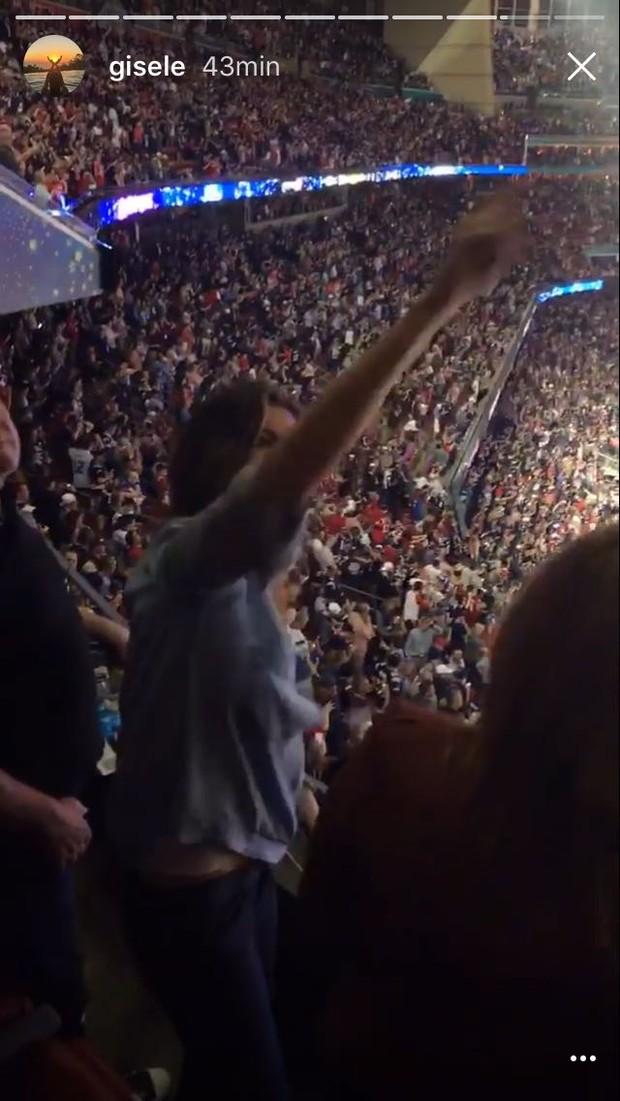Gisele Bündchen vibra com vitória do time de Tom Brady no Super Bowl (Foto: Reprodução / Instagram)
