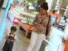 Juliana Paes curte folga de 'Gabriela' com o filho no Rio