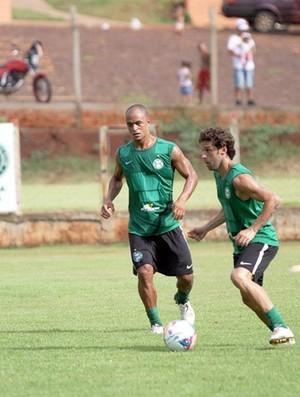 Lincoln e Julio César no treino do Coritiba (Foto: Divulgação / Site oficial do Coritiba)