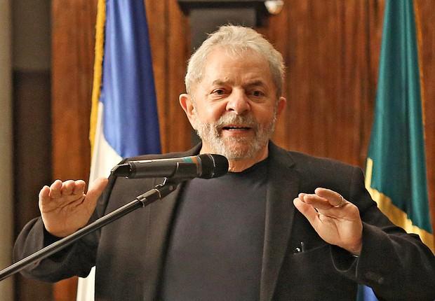 O ex-presidente Luiz Inácio Lula da Silva discursa para um grupo formado por empresários franceses em 2015 (Foto: Ricardo Stuckert/Instituto Lula)