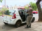Presos passam dia dentro de viaturas por falta de vagas em presídios no RS