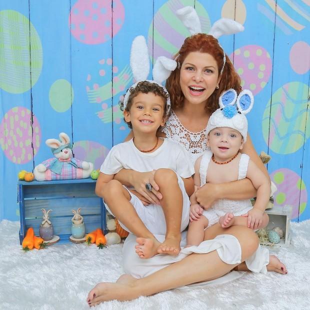 Bárbara Borges e filhos (Foto: Instagram / Reprodução - Natália Ledine Fotografia)